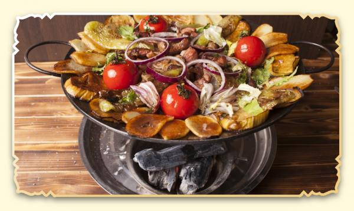 Садж из свинины и овощей - Ресторан Восточная сказка - Восточная кухня в Миассе
