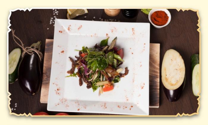 Теплый салат с телятиной - Ресторан Восточная сказка - Восточная кухня в Миассе
